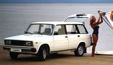 Buy A Lada Lada 2104 15 Wagon Picture 8 Reviews News Specs Buy Car
