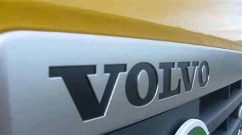 volvo trucks logo imagehub volvo logo hd free download