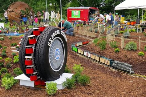 World S Fair Train Show Rolling Into Queens Botanical Rolling Botanical Garden