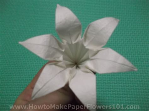 Origami Lilies - how to make an origami step by step origami