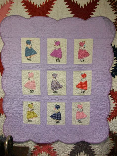 Vintage Baby Quilt Pattern by Antique Looking Lindsay Baby Quilt Pattern