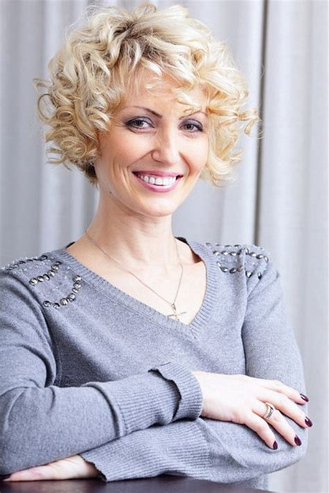 styling ear length curly hair short curly hairstyles for women over 40