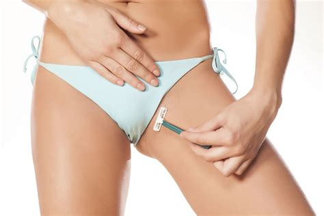 how many women over 70 wax or shave their pubic area scheertips voor een flawless bikinilijn