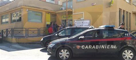 ufficio postale vibo valentia rapina alle poste di tropea clienti urlano e ladri scappano