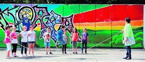 colegios reorganizaran el patio  evitar  los chicos  el futbol se aduenen del recreo
