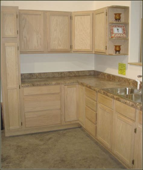 lowes kitchen island cabinet best 25 lowes kitchen cabinets ideas on beige