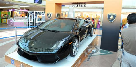 Lamborghini Gallardo Giveaway - abu dhabi mall developer gives away new lamborghini gallardo to local shopper world