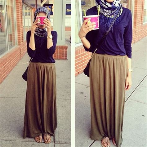 Serly Dress Muslim hijabs instagram and casual skirts on