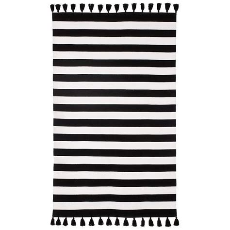 black and white stripe rug black and white striped rugs small master bedroom