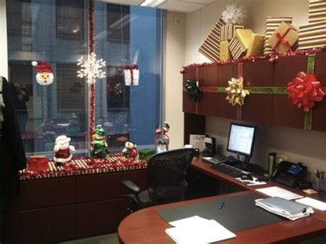 christmas desk ideas office decorations decoration contest best office or cubicle
