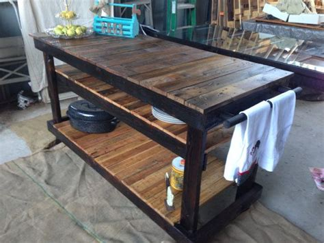 Kitchen Island Made From Pallets by 1000 Ideas About Pallet Island On Pallets