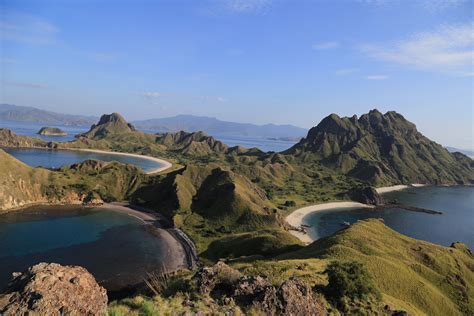 labuan bajo komodo island dn indonesia travel agent