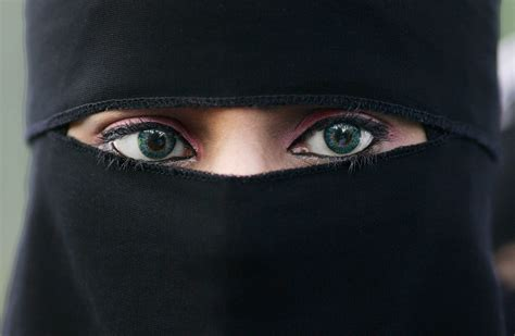 the intimate world of muslim beauty allure