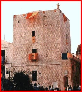 porta grande cisternino castelli della puglia provincia di brindisi cisternino