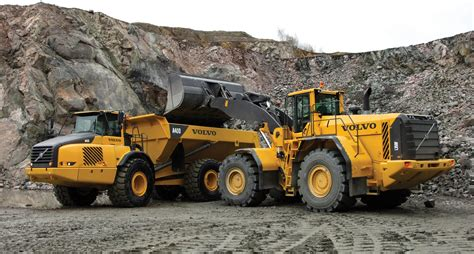 volvo construction equipment smart works loaders haulers