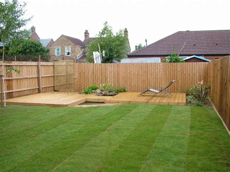 Decking Ideas Small Gardens Small Back Garden Decking Ideas Raise Vegetables On Deck How To Grow Vegetables On Deck