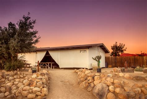 theme hotel yucca valley pioneertown motel deals reviews yucca valley usa wotif