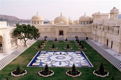 Hotel Eagle Eye Udaipur India Asia inside india s oberoi udaivilas palace which has been