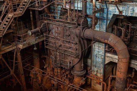 heart photo   abandoned market st power plant