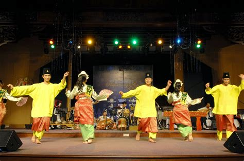 persembahan kebudayaan tarian tradisi kesenian gamelan pakej tarian kesenian dan kebudayaan zapin joget inang