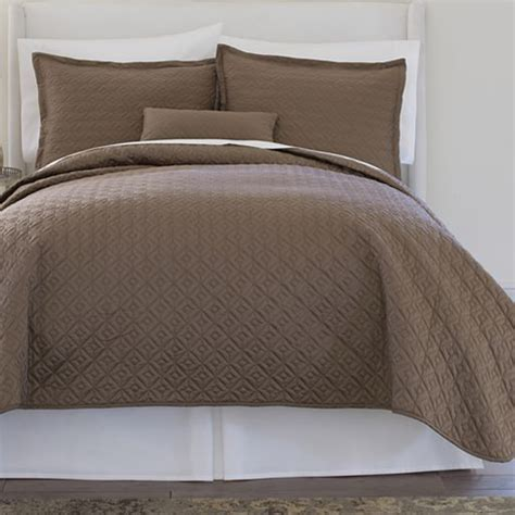 jcpenney coverlet royal velvet 174 400tc wrinkleguard quilted coverlet