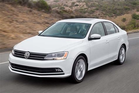 Volkswagen Jetta Golf by 2016 Volkswagen Golf Vs 2016 Volkswagen Jetta What S The