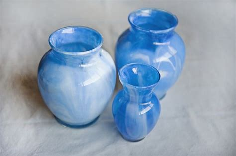 Diy Painting Glass Vases by Diy Marbled Glass Vases Using Acrylic Or Stained Glass