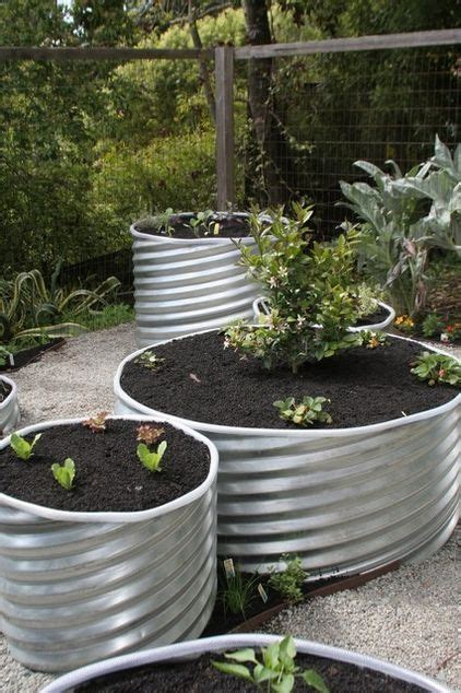 Elevated Container Garden Planters by 1000 Images About Wood Metal Raised Beds On