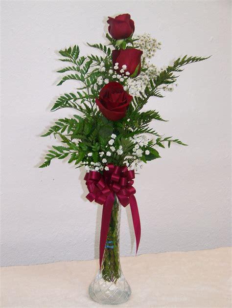 Carnation 3 red roses in bud vase barstow floral amp bridal