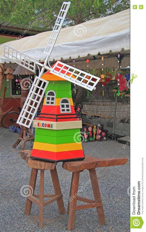Plan De Moulin A Vent De Jardin En Bois by Moulin 224 Vent En Bois D 233 Coratif Dans Le Jardin Photo Stock
