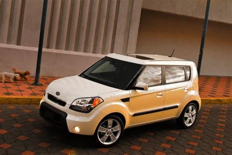 Kia Soul Used Car 2010 2013 Kia Soul Used Car Review Autotrader
