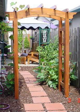 Cheap Fence Trellis 1000 Images About Grape Arbors On Gardens