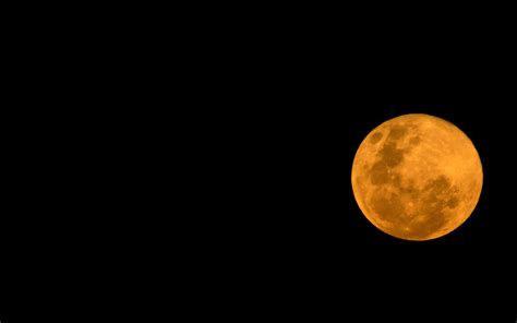 what is a strawberry moon a strawberry moon and summer solstice line up tonight for