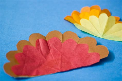 Tissue Paper Turkey Craft - paper plate thanksgiving turkey craft with tissue paper