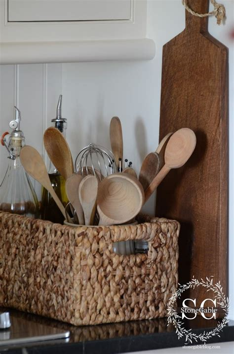 kitchen basket ideas 25 best ideas about wicker baskets on baskets
