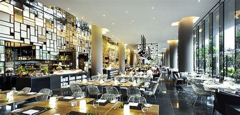 hotels resorts tips for choosing restaurant design breathtaking green hotel in singapore showcases