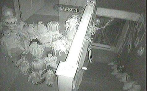 doll house cam live ghost watching haunted dolls house spooky webcam for