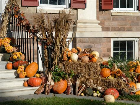 outdoor fall decorations fall decorating for the front yard diy landscaping
