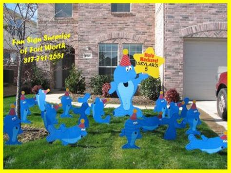 Yard Decorations For Birthday by Sign Of Fort Worth Birthday Lawn Decorations