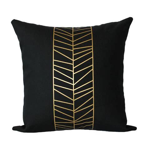 Eolins Jsps124 Chevron Bantal Sofa metallic gold feathered chevron pillow decor items ideas i adore metallic gold