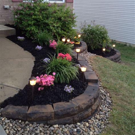 best mulch for flower beds 25 best ideas about black mulch on pinterest