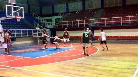 imagenes niños jugando basquetbol jugando basketball youtube