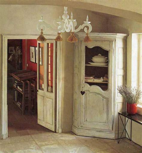 mobili in stile provenzale stile provenzale angoliera decapata clicca per ingrandire