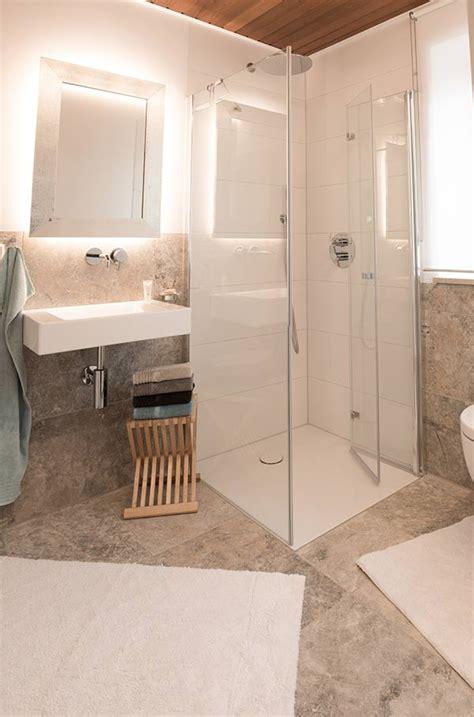 Badezimmer Fliesen Feuchtigkeit by Fliesen Im Badezimmer Fliesen Gruber