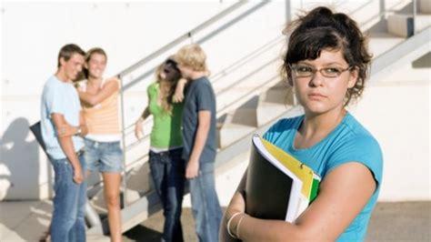 americas youngest outcasts estr 233 s adolescencia 191 condiciona la salud mental ella hoy