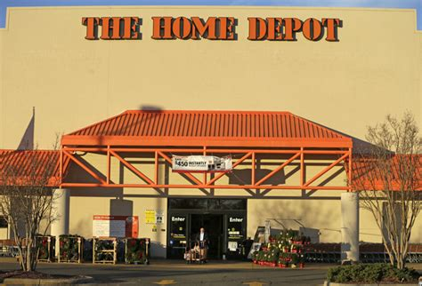 home depot to hire more than 80 000 workers for busy
