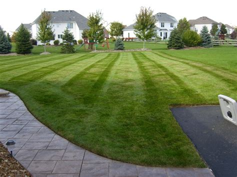 landscaping toledo ohio lawn mowing service toledo maumee perrysburg monclova sylvania