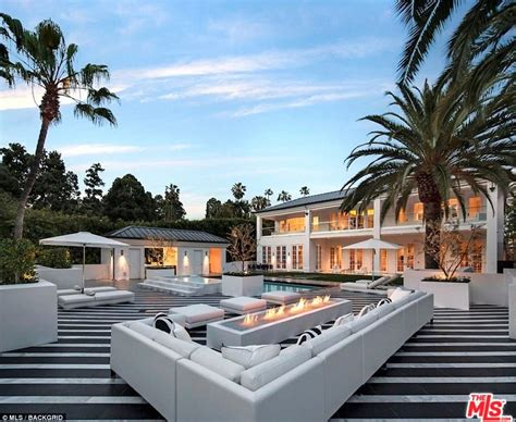 mayweather house tour inside floyd mayweather s 163 18 9m beverly hills castle