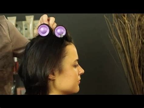 how to put rollersin extra short hair how to use hot rollers in short hair shoulder length