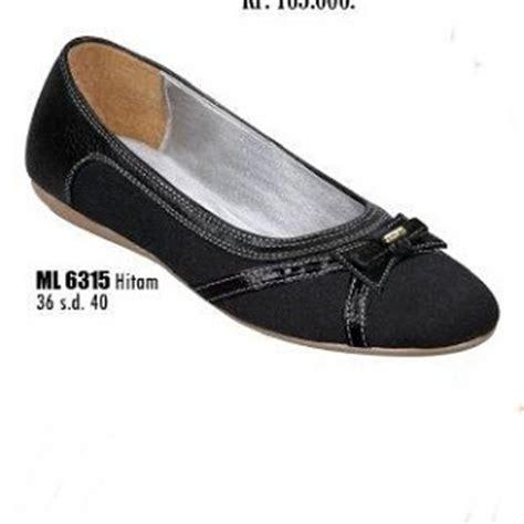 Sepatu Kulit Wanita Pl 36 Hitam Hak 7 Cm model sepatu santai wanita ml 6315 toko sepatu pantofel